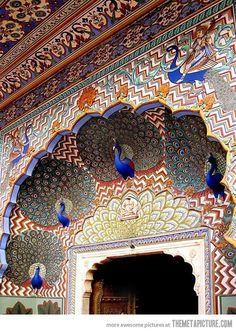 Funny pictures about Beautiful peacock gate in India. Oh, and cool pics about Beautiful peacock gate in India. Also, Beautiful peacock gate in India photos. Art Et Architecture, Beautiful Architecture, Architecture Details, Ancient Architecture, Beautiful Buildings, Taj Mahal, Bhutan, Incredible India, The Incredibles