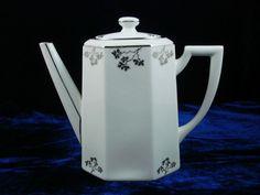 Sold - vendu - Keramis - Ebay - cafetière verseuse Art déco porcelaine Limoges TLB années 30