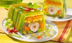 The golden age of aspic is long over, but some dishes seem to be tentatively resurgent. Is the savoury jelly worth reviving? Gelatin Recipes, Jello Recipes, Party Recipes, Gross Food, Weird Food, Food Fails, Food Pictures, Dishes, Snacks