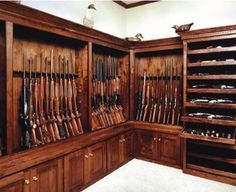 hidden room - now this is a gun cabinet Gun Vault, Weapon Storage, Gun Storage, Wood Storage, Rifles, Gun Safe Room, Reloading Room, Gun Rooms, Trophy Rooms