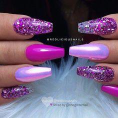 repost * Werbung (unbezahlt) / advertising (onbetaald) – – – – – Roze, Aurora effect … - Glam Nails, Hot Nails, Fancy Nails, Trendy Nails, Beauty Nails, Colorful Nail Designs, Cute Nail Designs, Glitter Nail Designs, Coffin Nail Designs