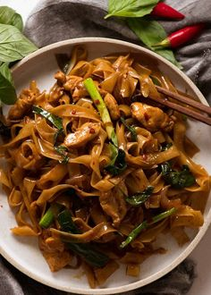Overhead photo of Thai Drunken Noodles on a plate, ready to be eaten