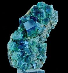 Cubic and gemmy crystals of Fluorite