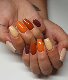 The advantage of the gel is that it allows you to enjoy your French manicure for a long time. There are four different ways to make a French manicure on gel nails. Fall Gel Nails, Cute Nails For Fall, Fall Acrylic Nails, Aycrlic Nails, Coffin Nails, Dipped Nails, Dream Nails, Halloween Nails, Halloween Coffin