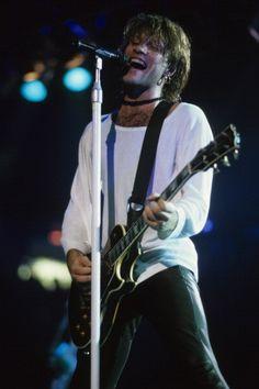 Jon Bon Jovi 1993. @bandiera | Tumblr