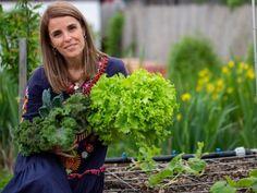 Educatie alimentara • Cristela GEORGESCU Celery, Videos, Cancer, Herbs, Vegetables, Plants, Herb, Vegetable Recipes, Plant