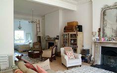 Feminine apartment open plan