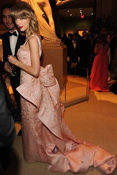 Taylor Swift in Oscar de la Renta [Photo by Steve Eichner]