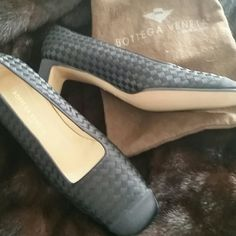 ❤Bottega Veneta Pumps❤ Magnificent Black Silk Intrecciato. Very  elegant silk shoes perfect for a formal event!  Brand new,  never worn! Treasure! Bottega Veneta Shoes Heels