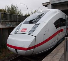 8 Neuerungen der Deutschen Bahn für 2017 (Blogpost) Electric Locomotive, Diesel Locomotive, Db Deutsche Bahn, Db Ag, Third Rail, Electric Train, Melissa Benoist, Commercial Vehicle, Public Transport