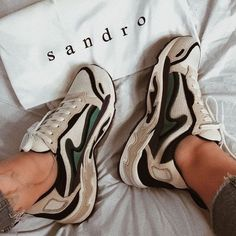 Zapatillas Sandro Paris - Marta World Dad Shoes, Girls Shoes, Me Too Shoes, Teen Shoes, Girls Footwear, Ugly Shoes, Men's Footwear, Ladies Shoes, Sneaker Outfits