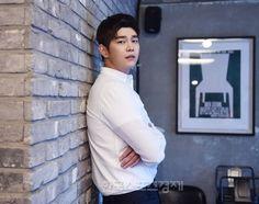Korean Idols, Korean Actors, Kyun Sang, Netflix Horror, Japanese Boy, Asian Hotties, Kdrama Actors, Shawn Mendes, Movie Quotes