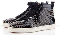 O designer Christian Louboutin é famoso por seus sapatos e agora lança sua coleção de sneakers. Bem bacana.Fonte