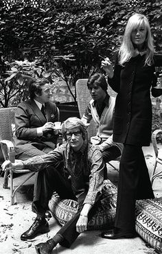 Yves Saint Laurent Betty Catroux muse of YSL.,with Pierre Berge and Francois Catroux . Patti Hansen, Lauren Hutton, Yves Saint Laurent, Carolina Herrera, Betty Catroux, Karl Lagerfeld, Christian Dior, Perfumes Vintage, Hippie Man