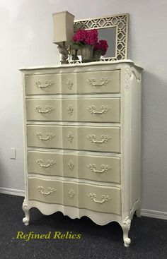 Vintage French Provincial dresser painted in General Finishes Milk Paint in Antique White and Linen.  #vintage  #RefinedRelics #FrenchProvincial #GeneralFinishes #MilkPaint #AntiqueWhite #Linen #Dresser