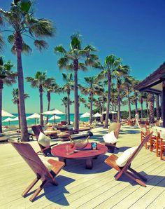 Au bord d'une plage à Marbella