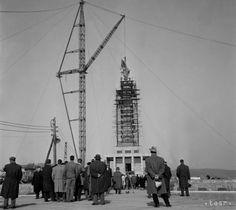 UNIKÁTNE FOTOGRAFIE: Takto dokončovali pred 55 rokmi Slavín - Slovensko - TERAZ.sk Bratislava, Old City, Arches, San Francisco Ferry, Nostalgia, Times, Retro, Travel, Viajes