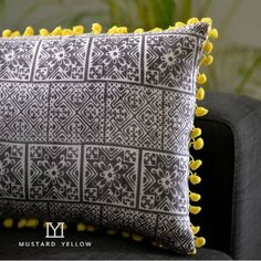 Blockprinted Cushioncover with pompom