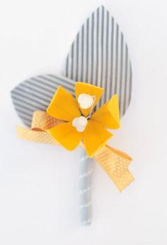 This boutonniere would look great on a grey suit. Purple Yellow, Shades Of Yellow, Bright Pink, Wedding Ring Quilt, Grey Quilt, Golden Birthday, Fantasy Wedding, Buttonholes, Diy Wedding