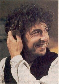 45- Bob Dylan smile