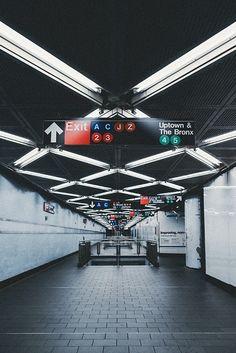 SUBWAY STATION   NEW YORK   USA: *New York City Subway*