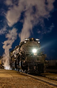4014 Union Pacific Train, Train Engines, Train Tracks, Rockets, Locomotive, Airplanes, Diesel, Past, Engineering