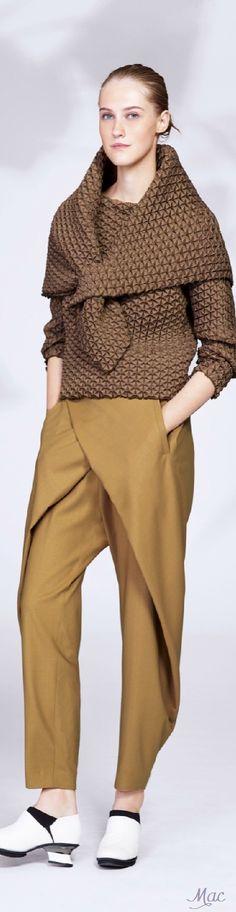 Love these trousers..... Resort 2016 Issey Miyake