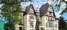 The Steirerschlössl The Steirerschlössl is an exceptional destination characterised by warm hospitality, cherished traditions, incomparable locations and … Warm, Traditional, Mansions, House Styles, Home Decor, Welcome, Decoration Home, Room Decor, Fancy Houses