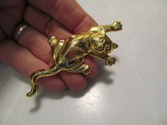 Nice JJ 1988 Signed Gold Colored Crawling Kitty Cat Brooch Lapel Pin | eBay