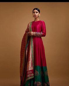 Stunning Anamika Khanna Saree ..... #anamikakhanna #thegrandtrunk #bandhani #saree #mirrorwork #blouse #bookitnow #callus @408-621-6733
