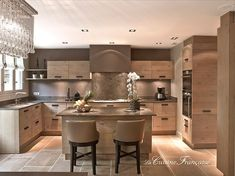 My dream kitchen! Kitchen Dinning, New Kitchen, Kitchen Decor, French Kitchen, Kitchen Layout, Kitchen Interior, Interior Design Living Room, Cuisines Design, Open Plan Kitchen