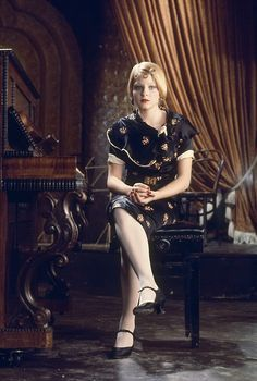 Jodie Foster in Bugsy Malone. Watched this today with Sylv for the first time!