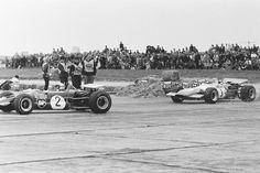 (2) Jochen Rindt - Lotus 59B Cosworth FVA - Roy Winkelmann Racing - (3) Jackie Stewart - Matra MS7 Cosworth FVA - Matra International - IV Flugplatzrennen Tulln-Langenlebarn 1969