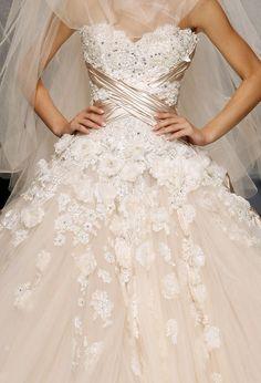 Zuhair Murad Haute Couture!!  i <3 <3 <3 <3 this dress