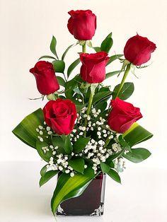 Beautiful Rose Flowers, Pretty Flowers, Spring Door Wreaths, Valentines Flowers, Rose Arrangements, Special Flowers, Ikebana, Flower Decorations, Bouquets