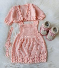 Knitting For Kids, Baby Knitting Patterns, Crochet For Kids, Knitting Projects, Crochet Baby, Knit Baby Pants, Baby Cardigan, Baby Girl Cardigans, Baby Sweaters