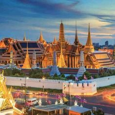 Grand palace and Wat phra keaw at sunset Bangkok, Thailand. Beautiful Landmark of Asia. Temple of the Emerald Buddha. landscape of the capital city. view of thailand Bangkok Hotel, Bangkok Thailand, Thailand Travel, India Travel, Visit Thailand, Thailand Photos, Laos, Bangkok Itinerary, Online Travel