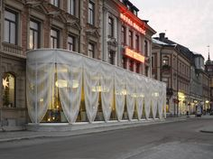 A hotel in Sweden gets a pavilion draped with perforated aluminium Photography by Mikael Olsson The Common Office have designed a pavilion for the Best Western Hotel Baltic in Sundsvall nbsp hellip Kinetic Architecture, Architecture Details, Modern Architecture, Nanjing, Vancouver, Europe Train Travel, Office Images, Facade Lighting, Building Facade