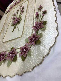 Crepe Paper, Elsa, Handmade, Boutiques, Salons, Creativity, Ideas, Leaves, Irish Lace