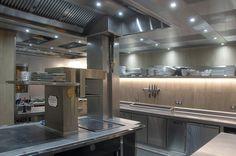 Sanchez Guisado Arquitectos Restaurante la Taverna del Clínic - Sanchez Guisado Arquitectos - Iluminación Cocina