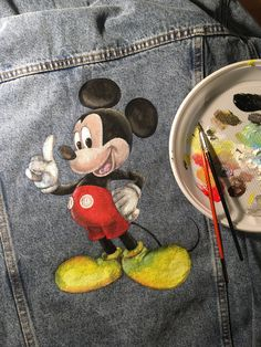 Painted Jeans, Painted Clothes, Painted Shoes, Diy Clothing, Custom Clothes, Cute Disney Outfits, Mickey Mouse Art, Paint Shirts, Denim Art