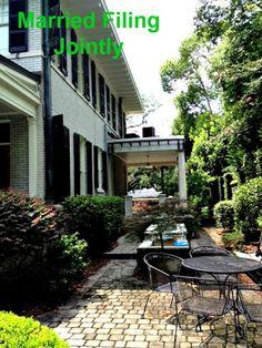 An Affordable Way to Travel Savannah, GA