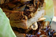 Best Ever Vegan 'Steak' Sandwich on the Planet Southerners love their heavy, hearty and meaty fare, with steak being no exception. To make this steak sandwich, use tofu and vegan mince/ground crumbles for heartiness and protein. Sandwich Vegan, Veggie Sandwich, Vegan Burgers, Vegan Sandwiches, Steak Sandwiches, Caramelized Onions And Mushrooms, Stuffed Mushrooms, Carmelized Onions, Vegan Mince