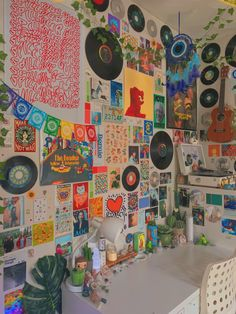 Indie Room Decor, Cute Bedroom Decor, Teen Room Decor, Aesthetic Room Decor, Room Ideas Bedroom, Bedroom Inspo, Aesthetic Indie, Retro Room, Vintage Room