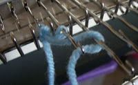 Machine Knitting 101: Cast on: zigzag, knitback
