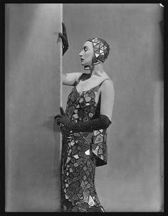 George Hoyningen-Huene, Lee Miller in Mirrored dress designed by Lucien Lelong, 1929 © Condé Nast Archive/Corbis
