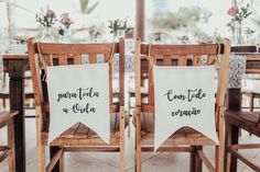 Nesse sábado, dia de descanso, trazemos um casamento bem lindo pra vocês… A Daniella e o Leandro se encontraram por causa de um outdoor, que levou ao falecido Orkut, a um encontro, e daí para a vida toda… Os dois sempre sonharam com um casamento ao ar livre, intimista, perto da natureza, sol, mar, ao ...
