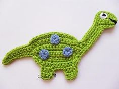 Crochet patches – A dino hatched from the egg :] – a unique product by garndesign-schnullerkette on DaWanda yaai Marque-pages Au Crochet, Appliques Au Crochet, Crochet Motifs, Crochet For Boys, Easy Crochet Patterns, Crochet Gifts, Crochet Designs, Crochet Toys, Crochet Stitches