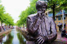 Langs de Lindegracht is de sfeer van oud Heerenveen nog het best bewaard gebleven.