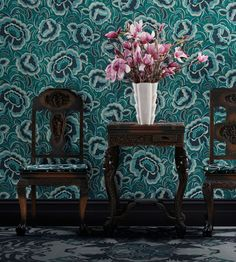 The Great Gatsby set and costume designer Catherine Martin channels her love of Art Deco in a glamorous collection of wallpaper and textiles for Mokum Art Deco Wallpaper, Modern Wallpaper, Fabric Wallpaper, Of Wallpaper, Pattern Wallpaper, Peacock Wallpaper, Fabric Covered Walls, Inspirational Wallpapers, White Vases